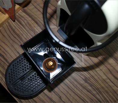 Nespresso Inissia 08